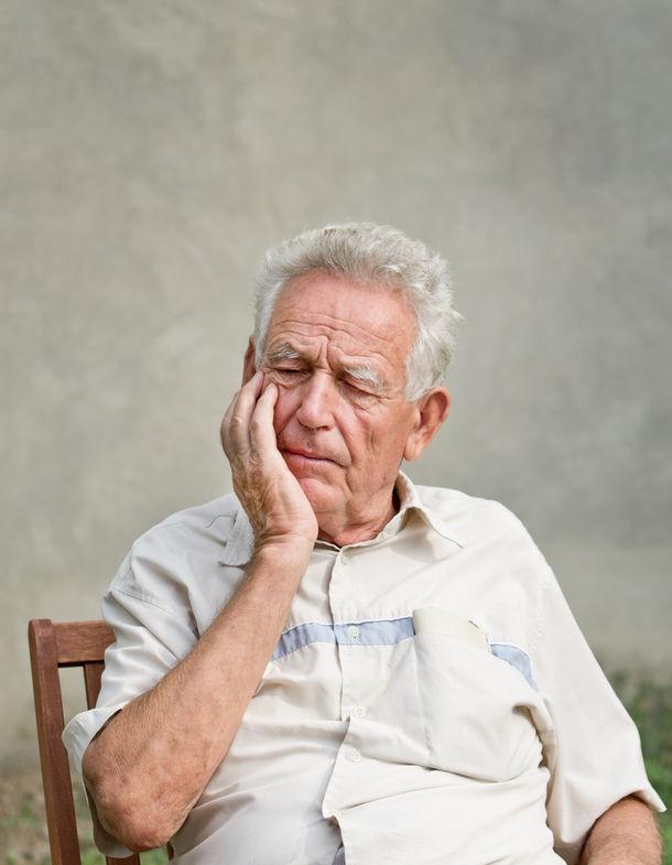 歯周病に悩むご高齢者